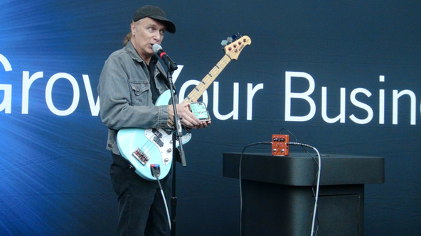 Billy Sheehan (okmusic UP's)