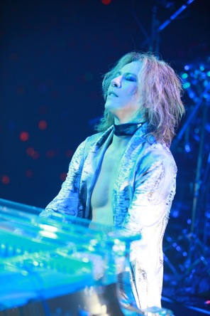 YOSHIKI  (okmusic UP's)