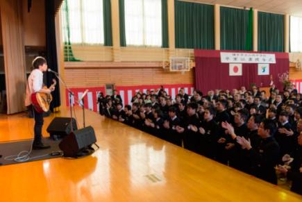 3月12日@秋田県横手市立山内中学校・卒業式 (okmusic UP\'s)