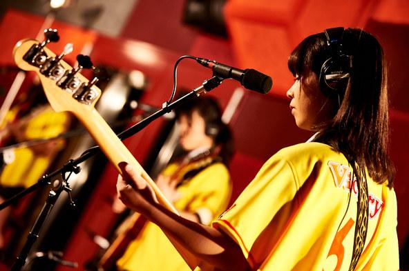 3月16日(水)、LINE LIVEでスタジオライブ生配信 (okmusic UP's)
