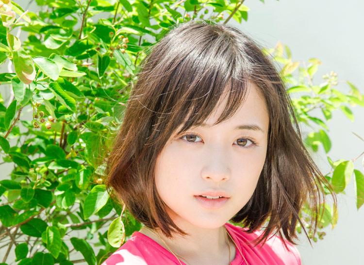 風になびく大原櫻子