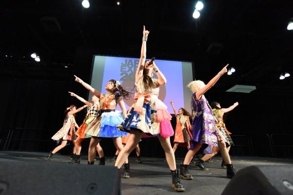 """JAPAN EXPO 2015 in LA""にてライブを披露した""チキパ""ことCheeky Parade (okmusic UP\'s)"