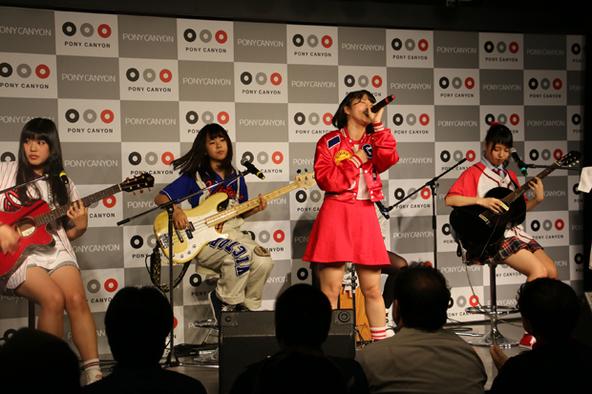 12月1日(火)@ポニーキャニオン1F (okmusic UP's)