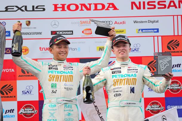 吉本大樹が7月1日、タイ・ブリーラムのチャン・インターナショナル・サーキットでのSUPER GT海外ラウンド第4戦決勝レースにて3位を獲得。