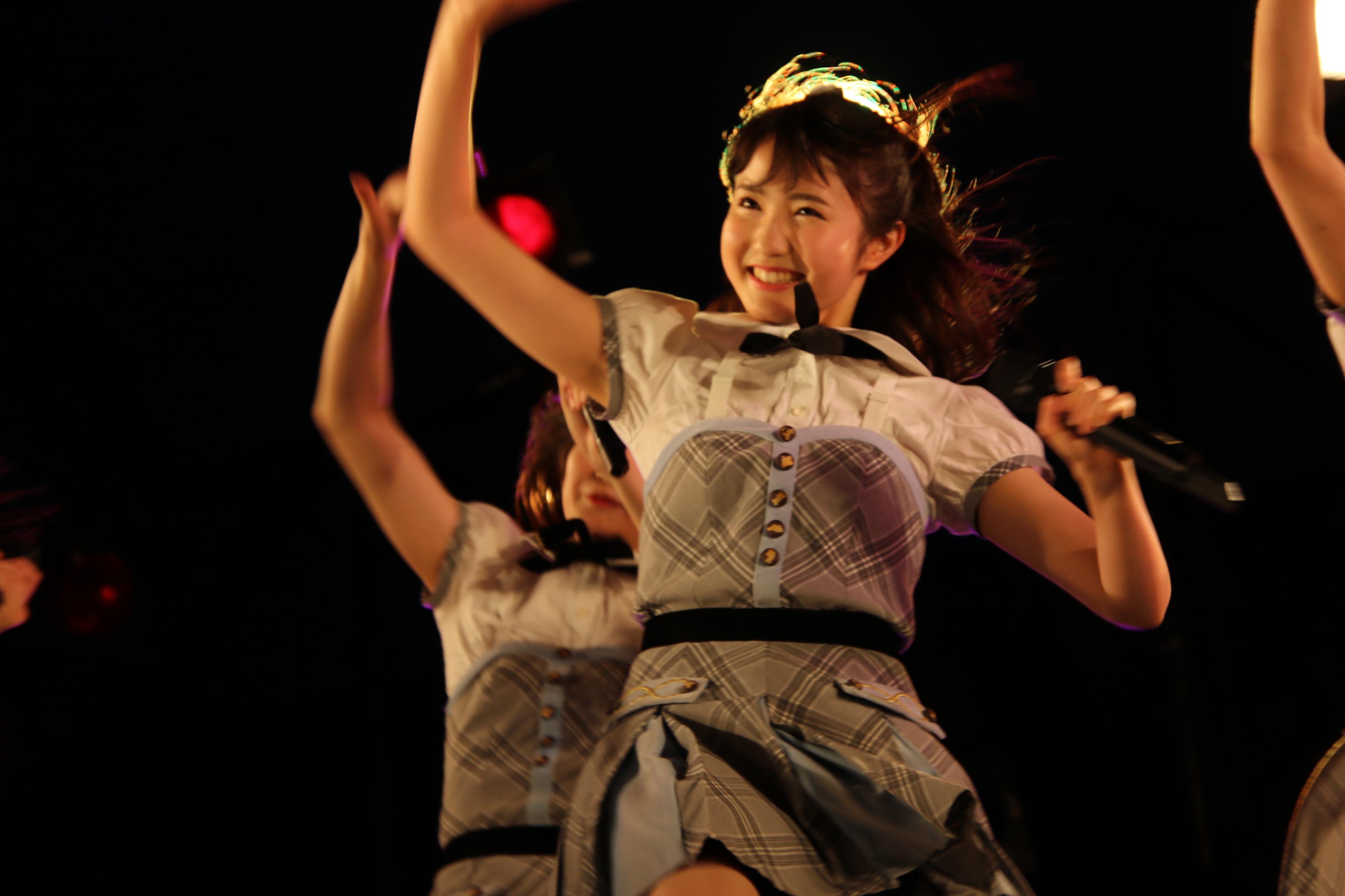 初めて「蜂の巣ダンス」のセンターを務めた本田仁美