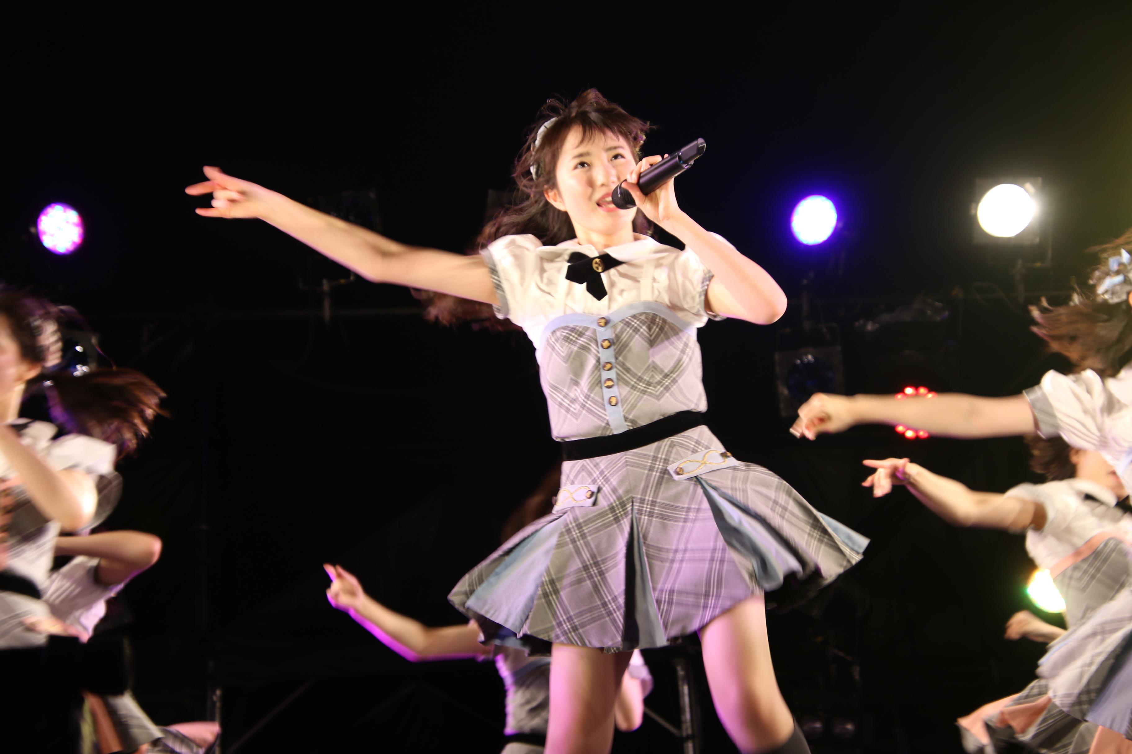 「蜂の巣ダンス」で初のセンターを務めた本田仁美