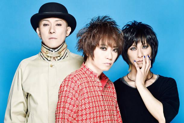 L→R MASASHI(Gu)、TAMA(Vo)、HIROSHI(Dr)