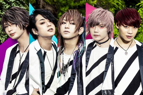 L→R Rei(Ba)、まゆ(Gu)、夕霧(Vo)、なお(Gu)、風弥~Kazami~(Dr&Piano)
