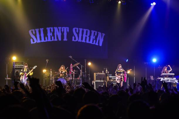 【SILENT SIREN ライヴレポート】