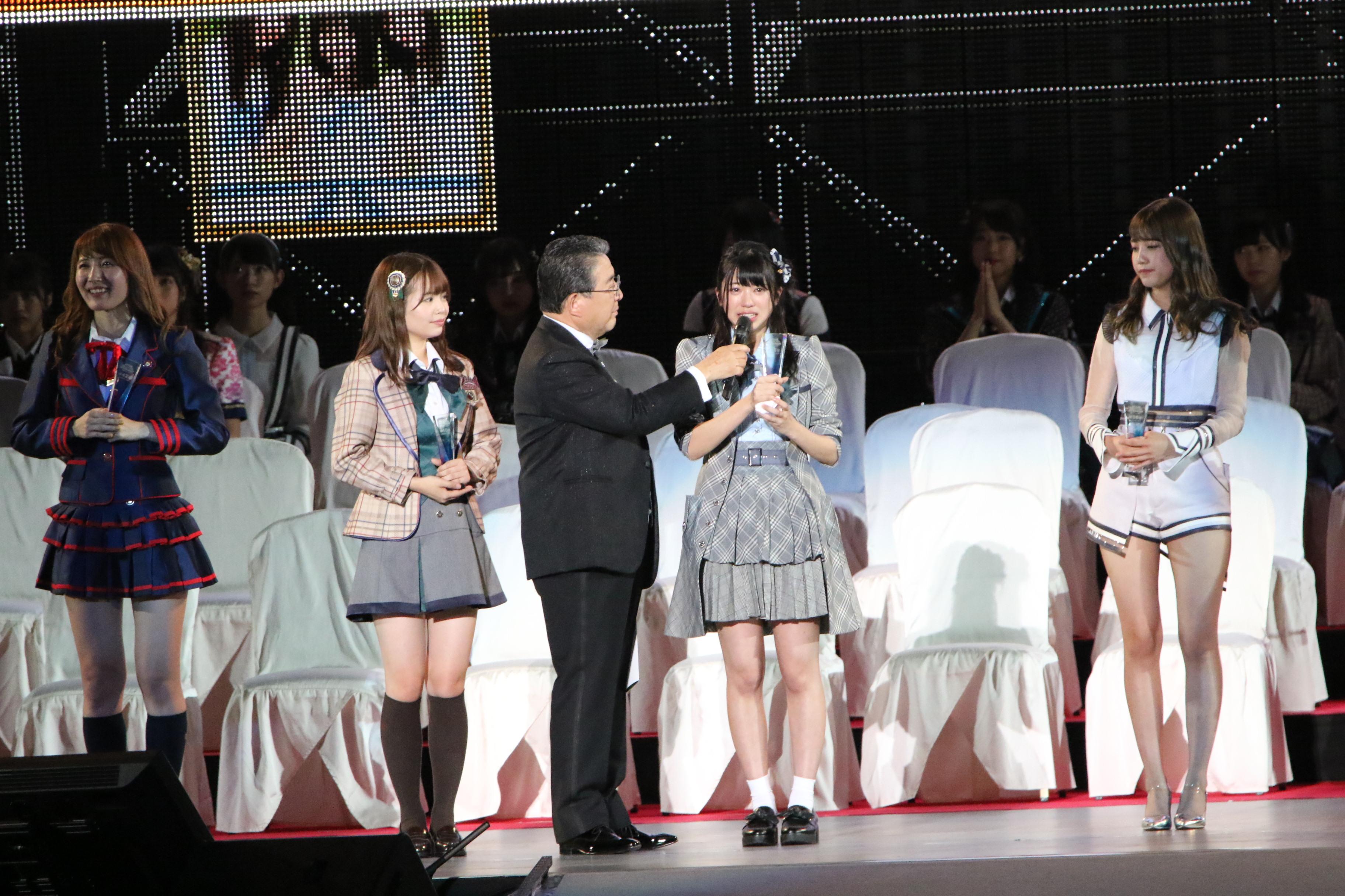 選抜総選挙のステージでの大西桃香「これからもチーム8をひっぱっていける存在になりたいです」