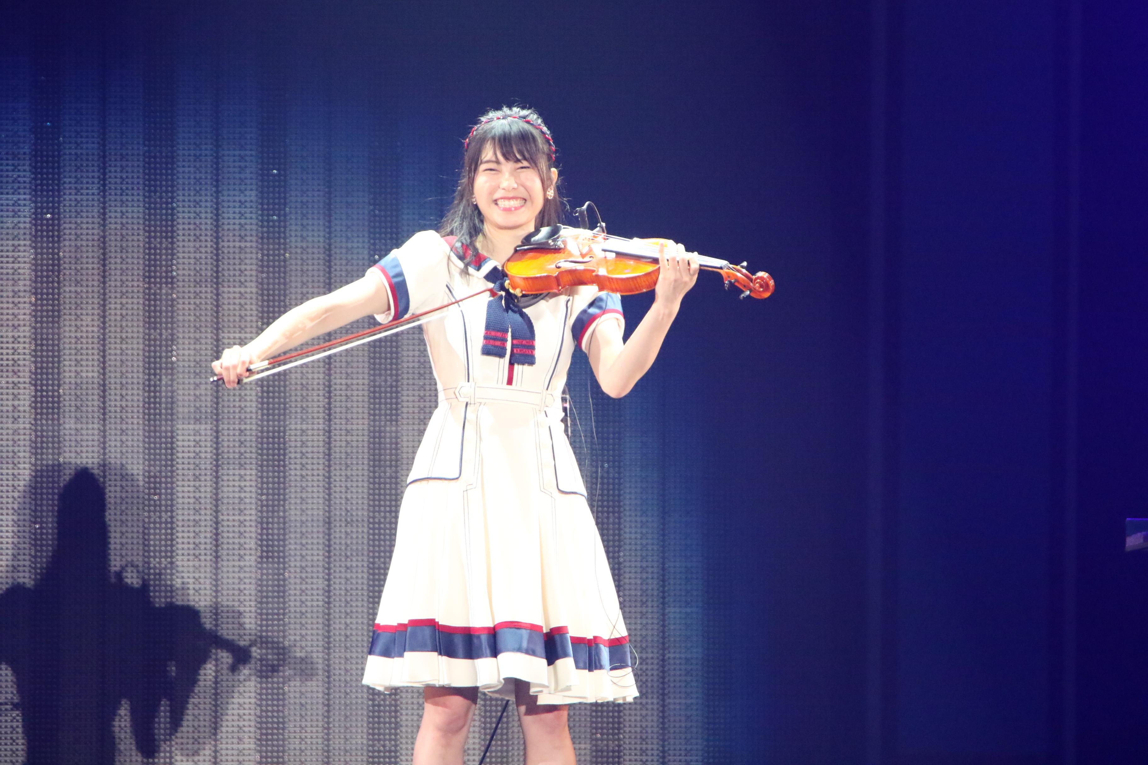 「Everyday、カチューシャ」をバイオリンで披露し苦笑いの横山由依