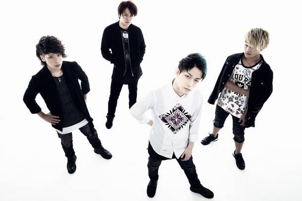 L→R Katsutoshi(Ba)、Masaki(Gu)、Nobu(Vo)、Yussan(Gu)