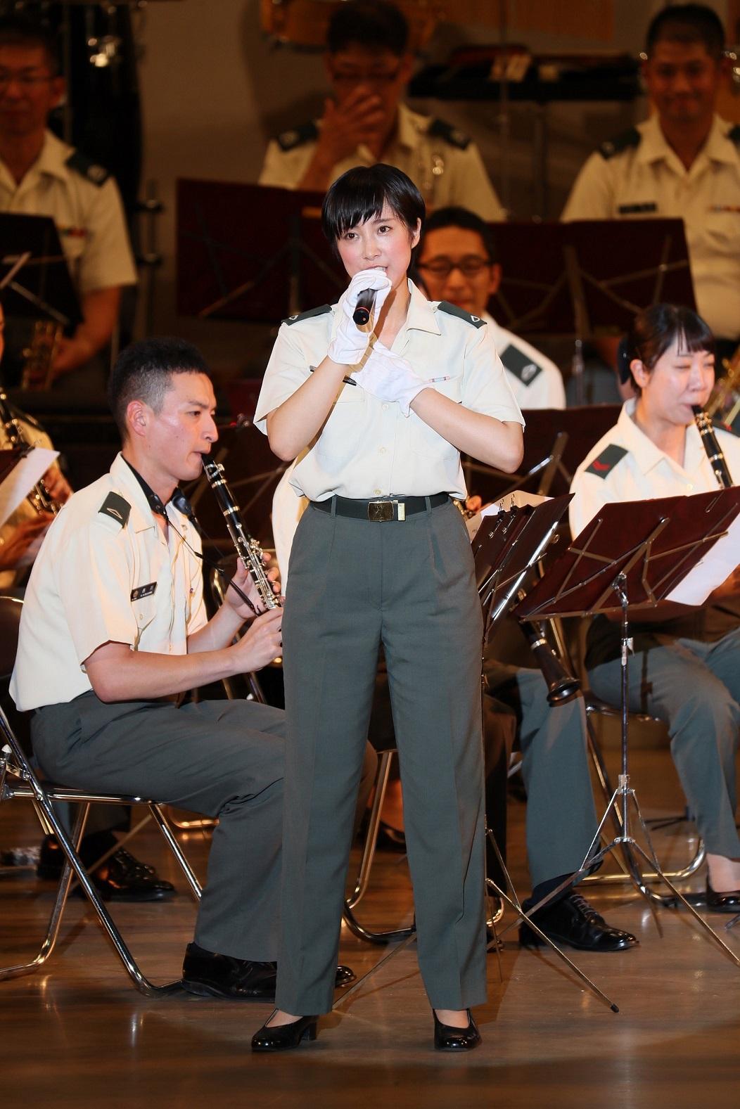 鶫真衣擁する陸上自衛隊中部方面音楽隊がライヴ映像公開