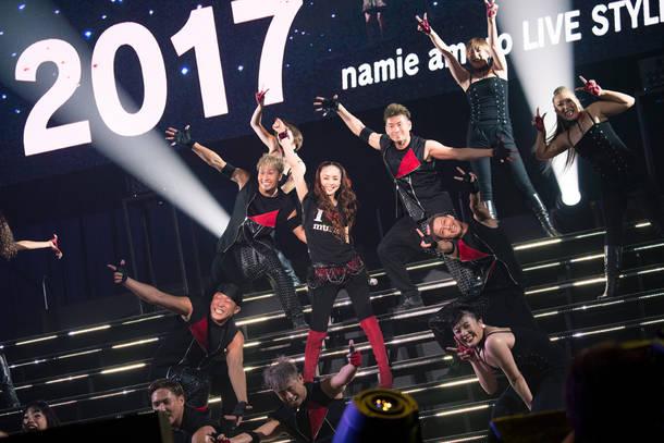 『We ♥ NAMIE HANABI SHOW supported by セブン-イレブン』(安室奈美恵)