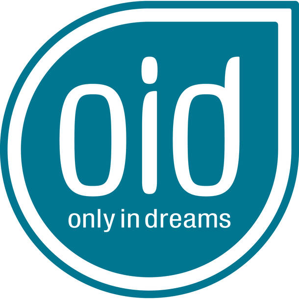 only in dreams ロゴ