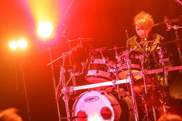 11月1日@東京・TSUTAYA O-WEST(JUN) photo by コザイリサ