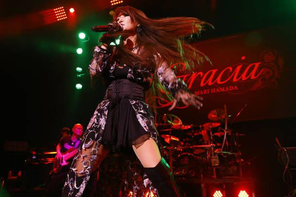 """【浜田麻里 ライヴレポート】 『The 35th Anniversary  Tour """"Gracia""""』 2018年11月2日 at Zepp Tokyo"""