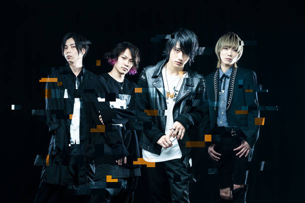 L→R Kazu(Ba)、KANDAI(Dr)、片桐 航(Vo&Gu)、ソラ(Gu)
