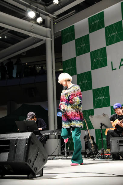 11月17日@ラゾーナ川崎2F ルーファ広場 photo by 笹森健一