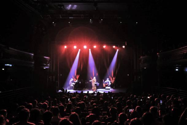 11月11日@パリ:劇場ラ・シガール