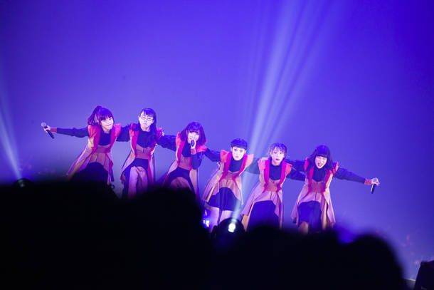 """【BiSH ライブレポート】 『BRiNG iCiNG SHiT HORSE  TOUR FiNAL """"THE NUDE""""』 2018年12月22日  at 幕張メッセ 9・10・11ホール"""