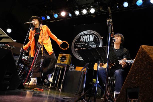 【SION ライヴレポート】 『SIONアコースティックツアー2018 ~SION+Sakana Hosomi& Kazuhiko Fujii~』 2018年12月27日 at 代官山UNIT
