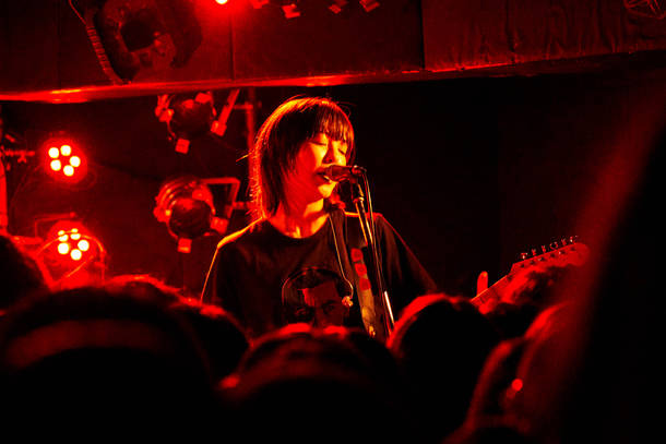 1月8日(火)@下北沢Daisy Bar(yonige) photo by 松木宏祐