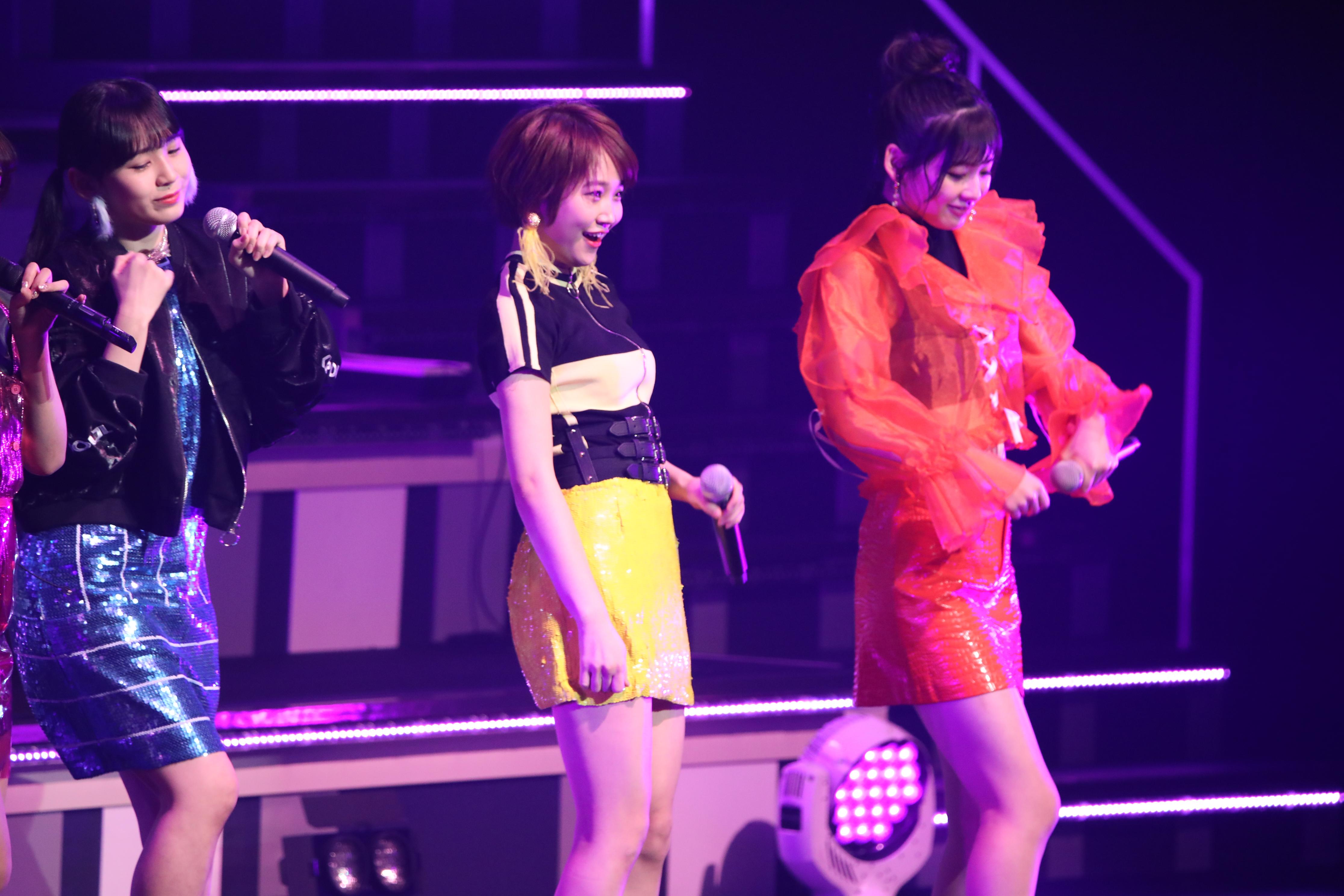 リクアワで『わかりやすくてごめん』を披露するPRODUCE48選抜メンバー