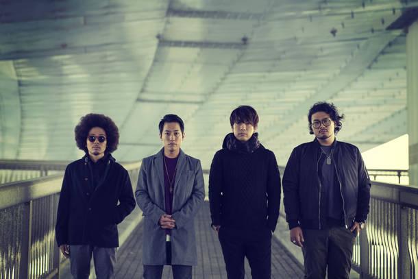 L→R Gotti(Gu&Cho)、Oto(Vo&Key)、Taka(Dr&Cho)、Kash(Ba&Cho)