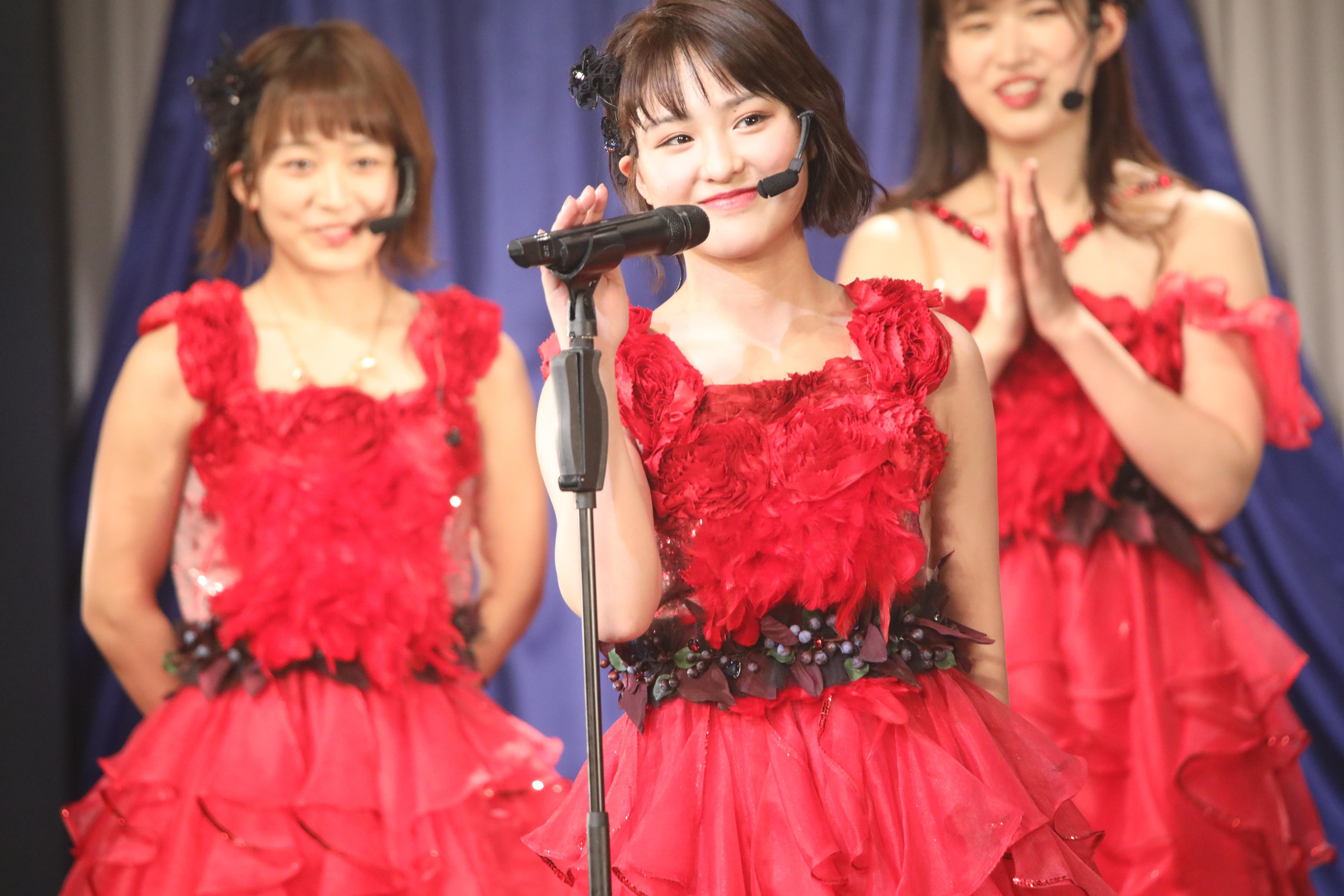 Foxiesコンサート自己紹介での山田菜々美