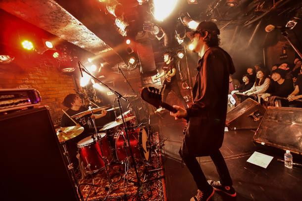 【moke(s) ライヴレポート】 『moke(s) 2nd Mini ALBUM 「GIVE MORE GEAR」発売記念 ONEMAN LIVE 「もっと武器をくれ」』2019年2月24日 at 吉祥寺PLANET K