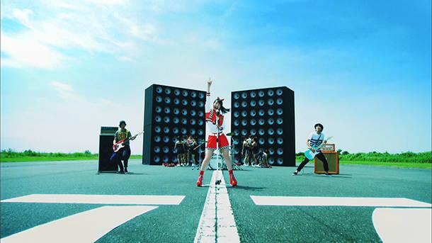 「STARTING NOW!」MV(Blu-ray&DVD『NANA CLIPS 8』より)