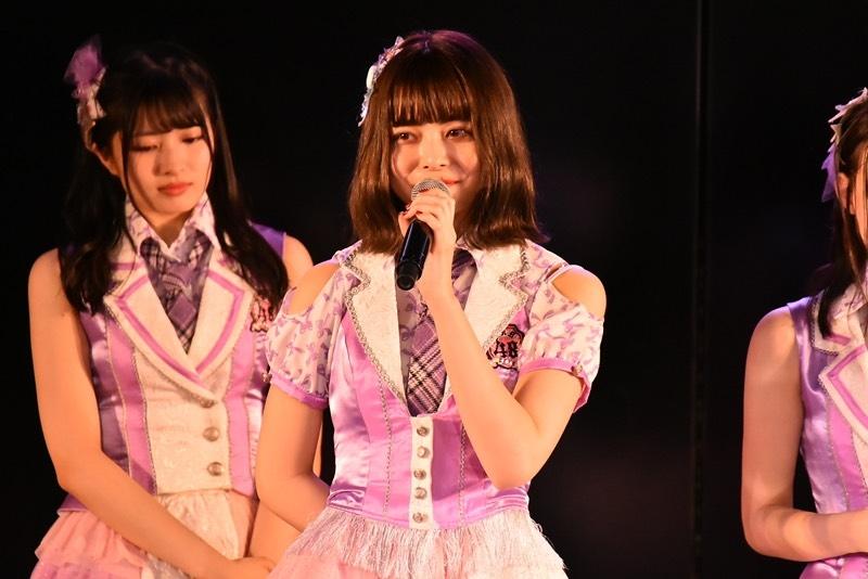 AKB48劇場で卒業発表を行った人見古都音