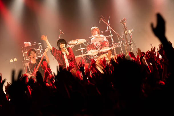 【BURNOUT SYNDROMES  ライヴレポート】 『全国ワンマンツアー2019 「明星〜We have a dream〜」』 2019年3月23日 at 恵比寿LIQUIDROOM