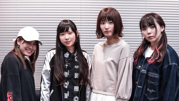 左より、AYAME(AliA)、0C(CODE OF ZERO )、Yui(BabySitter)、Ryoko(ЯeaL)