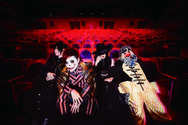 L→R Shinno(Gu)、団長(Vo)、Kyrie(Gu)、K(Dr)