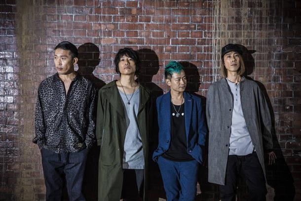L→R 桜井雄一(Dr)、小高芳太朗(Vo&Gu)、合田 悟(Ba)、山下 壮(Gu)