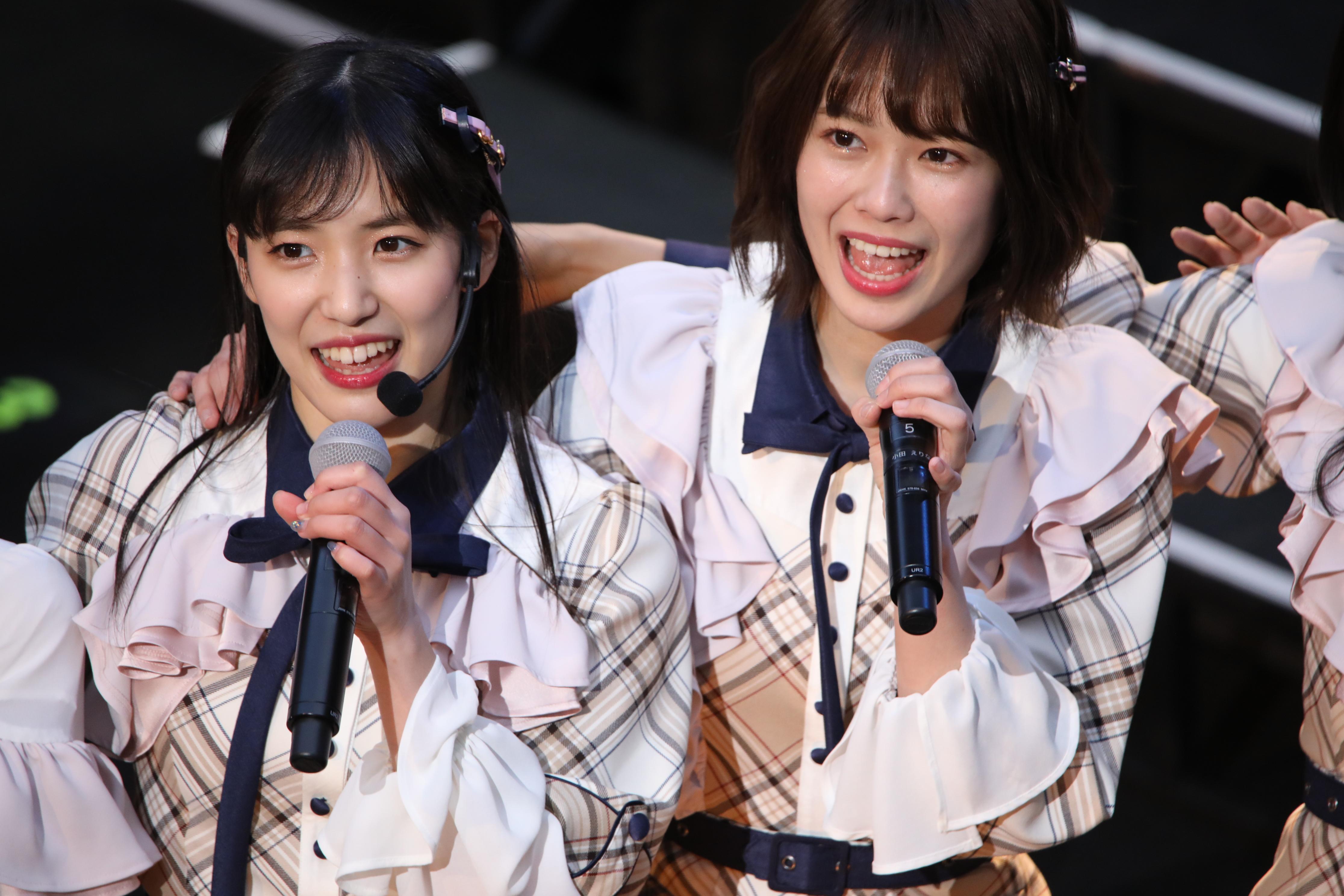 チーム8結成5周年コンサートでの小田えりな(右)