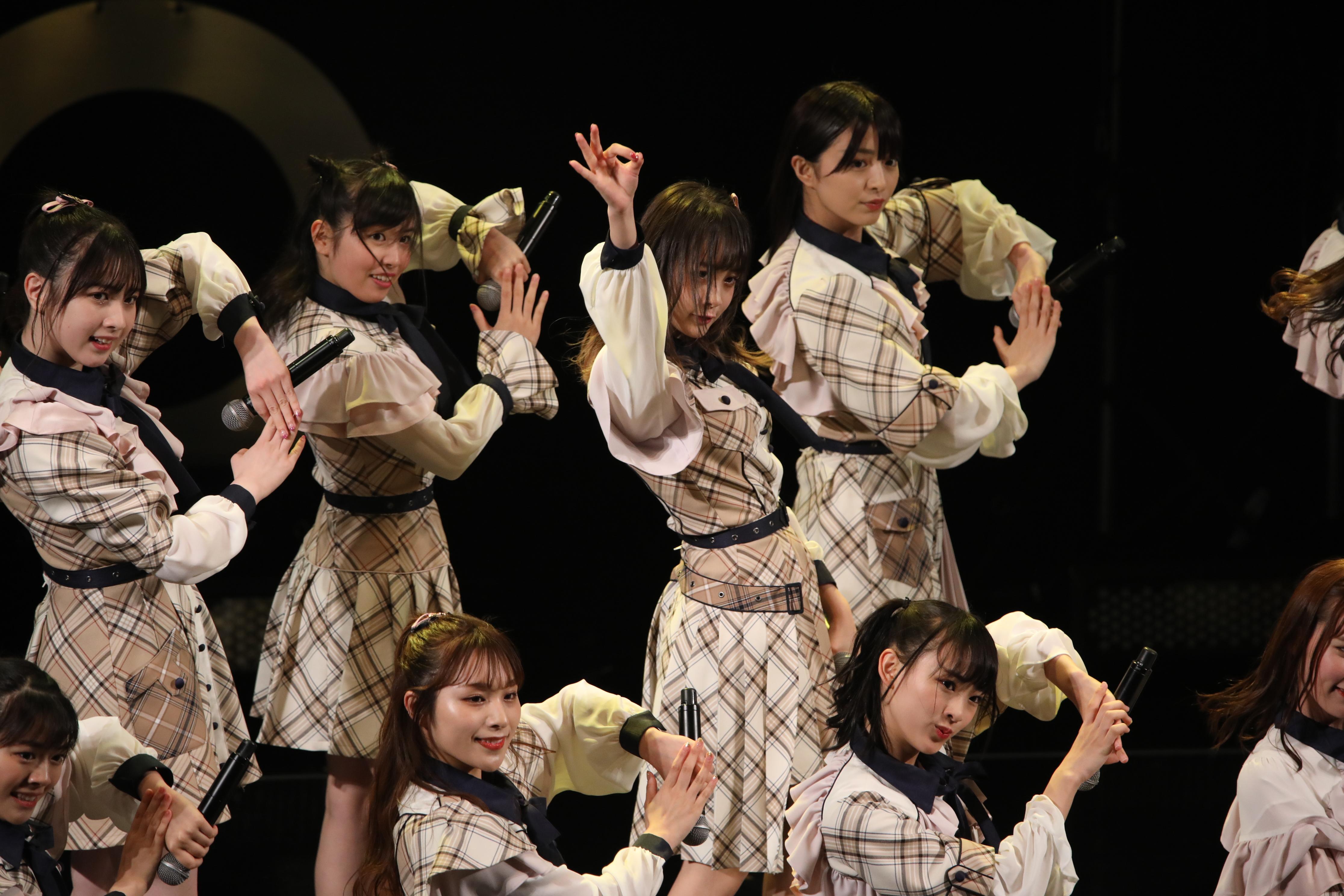 「@JAM 2019 Day2〜SUPER LIVE〜」で『蜂の巣ダンス』を披露するチーム8・横山結衣
