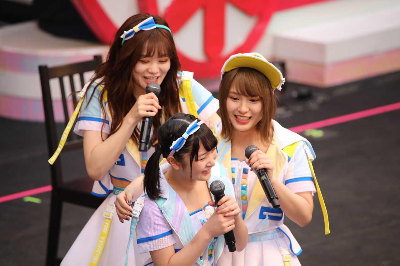 2019年4月に開催されたチーム8結成5周年記念コンサートでの藤園麗と山田菜々美