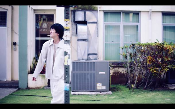 「Summer Time Magic」MV
