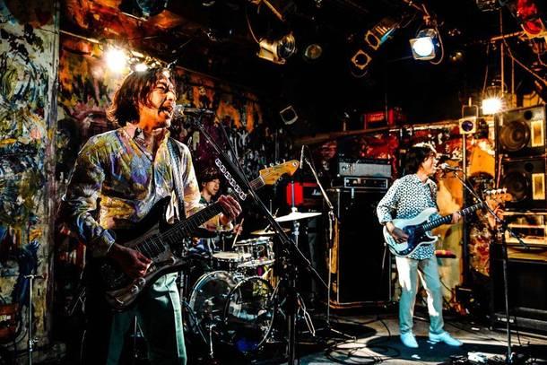 7月11日@大阪・十三ファンダンゴ(ウルフルズ) photo by 渡邊一生