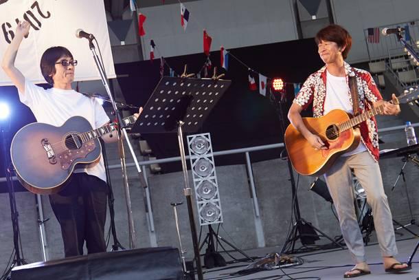 7月14日@大阪・服部緑地野外音楽堂 photo by 村井香