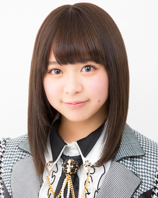 倉野尾成美(AKB48 Team 8/Team K兼任)