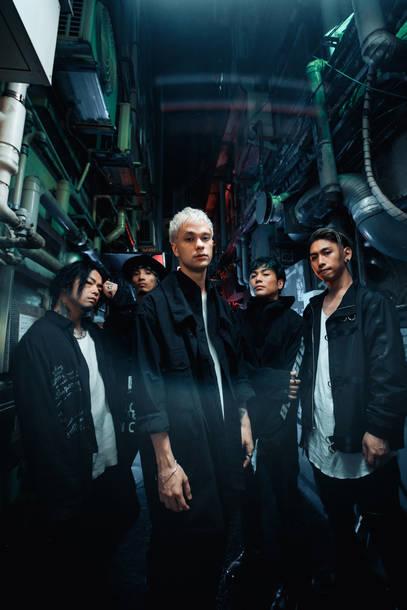 L→R Katsuma (Dr)、RxYxO(Ba&Cho)、Masato(Vo)、Sugi(Gu&Cho)、Y.K.C(Gu)
