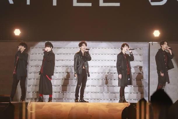 """8月29日@幕張メッセ国際展示場9ホール(""""BATTLE BOYS""""4th STAGE)"""