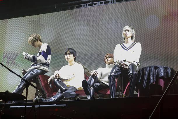 11月16日@豊洲PIT photo by 笹森健一