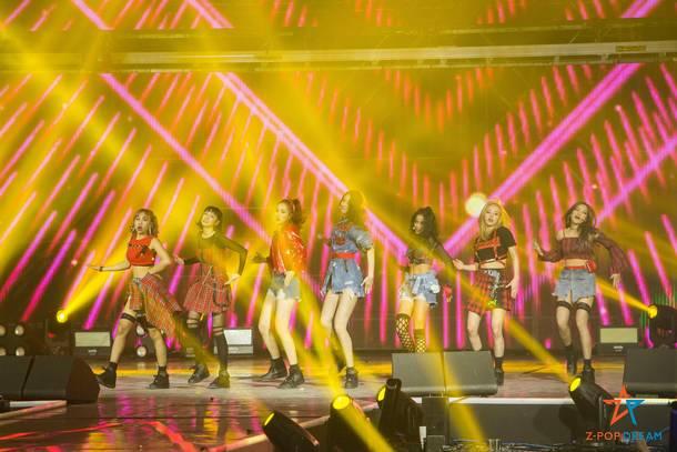 Z-Girls ライブ写真