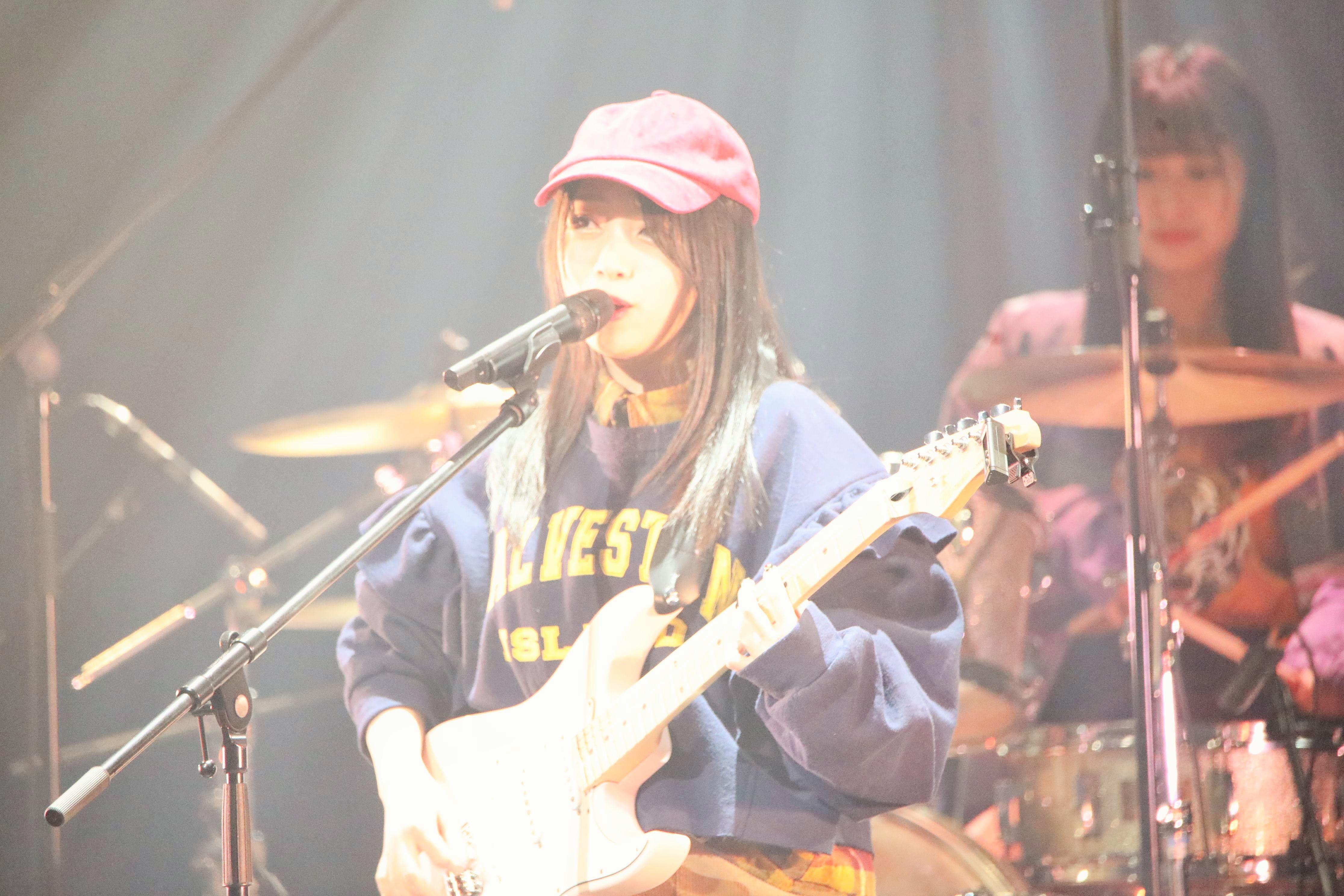 向井地・ボーカル&ギター