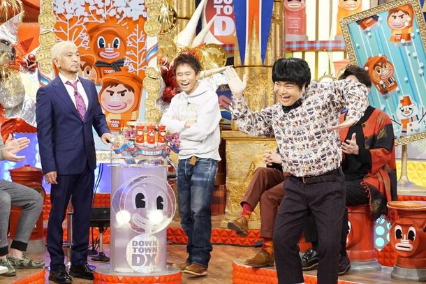「ダウンタウンDX」2月18日放送回で、ダウンタウン浜田に「腹立つ~」と言われたキレキレのダンスを披露する加藤諒 (c)読売テレビ
